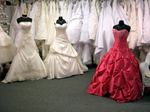Guide wedding dress rentals consignment in vancouver for Consignment wedding dresses richmond va